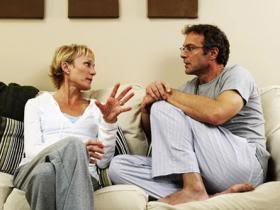 bth_websitephotolibrary_rf_photo_of_couple_talking_on_sofa